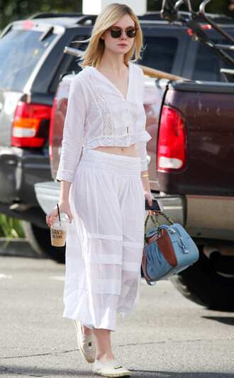 skirt top blouse two-piece elle fanning flats crop tops lace white lace top shoes white blouse