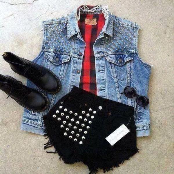 jacket blouse shorts sunglasses