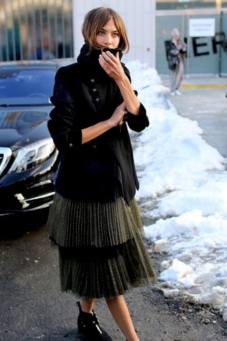 le fashion image blogger sweater scarf jacket skirt pleated skirt blazer ankle boots