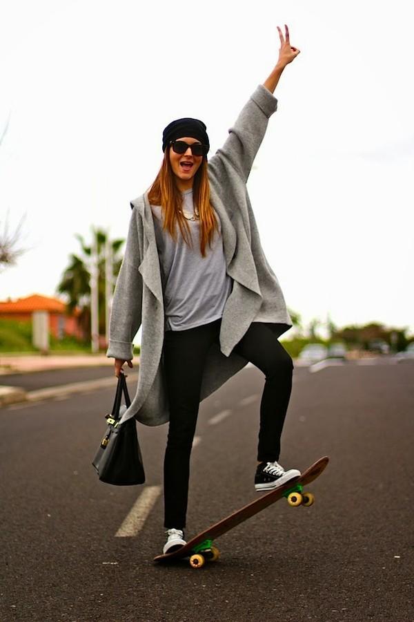 marilyn's closet blog sweater jewels shoes pants t-shirt hat