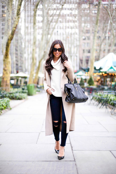 with love from kat blogger coat sweater jeans shoes bag sunglasses