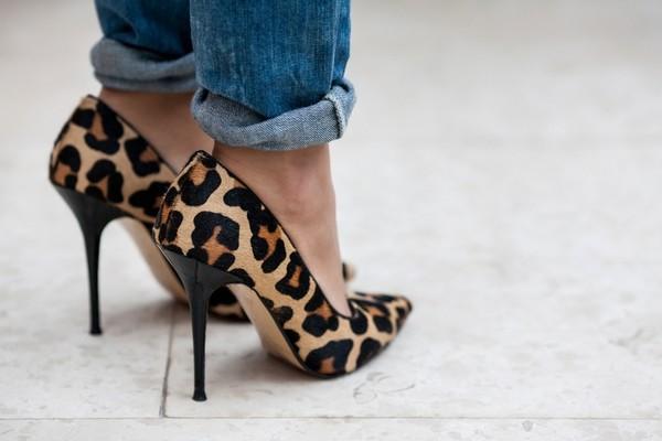 shoes leopard print heels