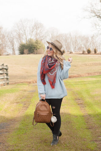 pearls&twirl blogger sweater scarf jeans bag shoes hat sunglasses backpack grey grey sweater felt hat