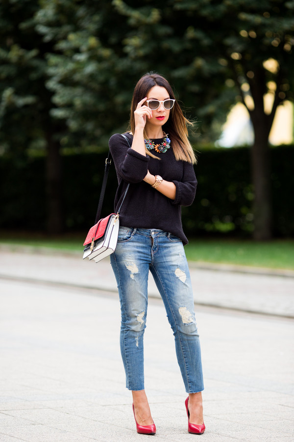 cashmere in style sweater jeans bag jewels shoes sunglasses