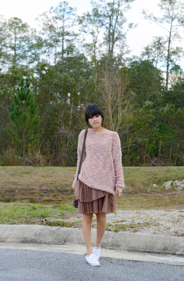 behind the seams sweater skirt shoes bag