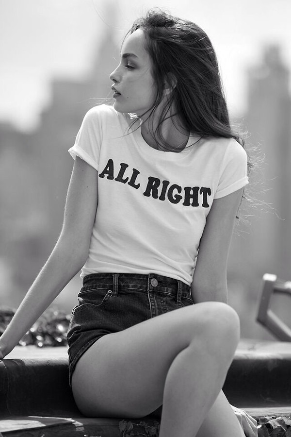 t-shirt black on white model urban outfitters