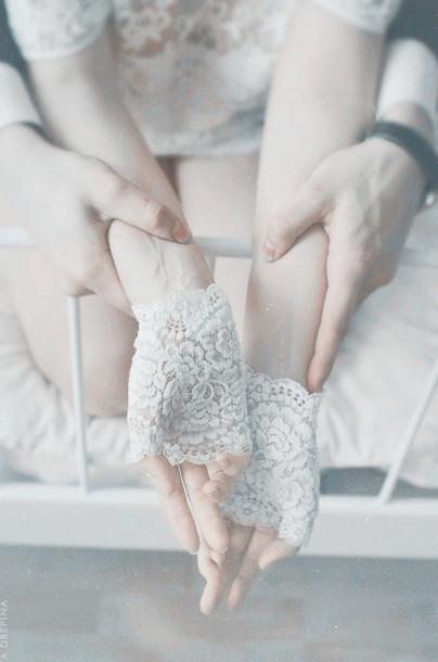 gloves fingerless gloves white lace floral