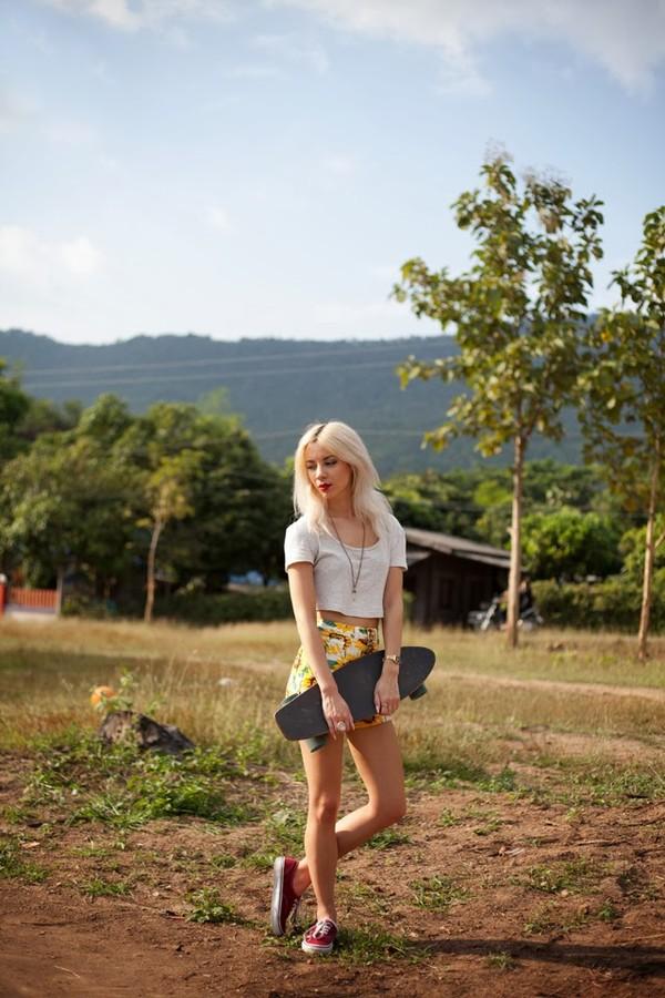 leanne lim walker t-shirt shorts jewels shoes