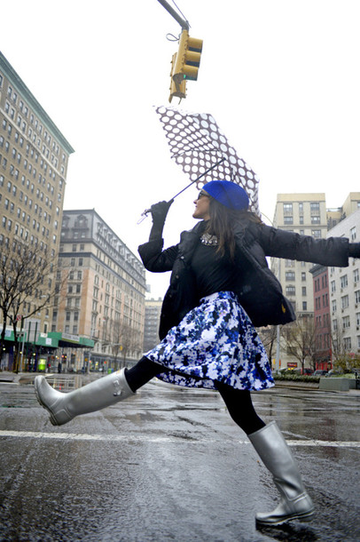 nycpretty blogger umbrella floral skirt wellies polka dots