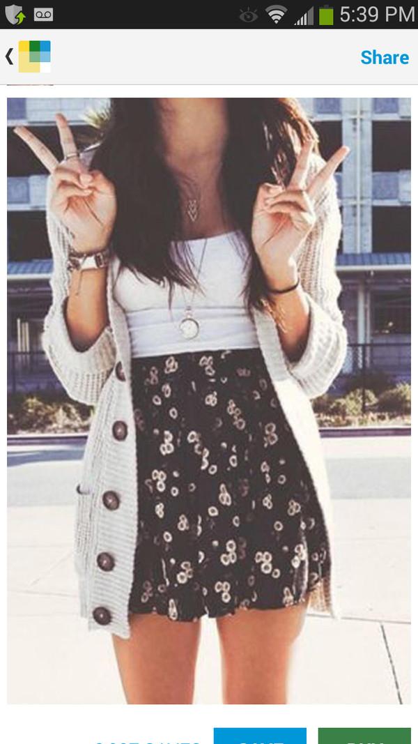 skirt floral high waisted coat dress cute dress summer navy skirt summer outfits flowered skirt cute black navy jewels sweater knitted cardigan small white flowers skater skirt sunflower shirt cardigan jacket big buttons cream grey